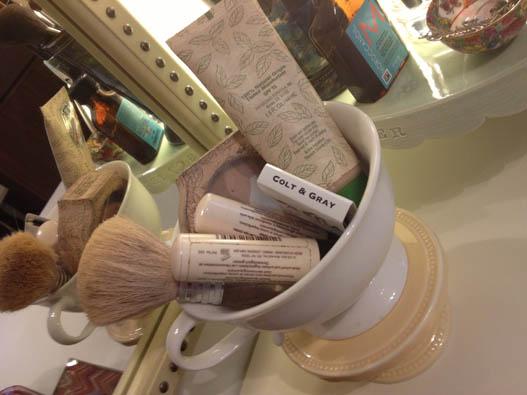 vanity organizing tea cup