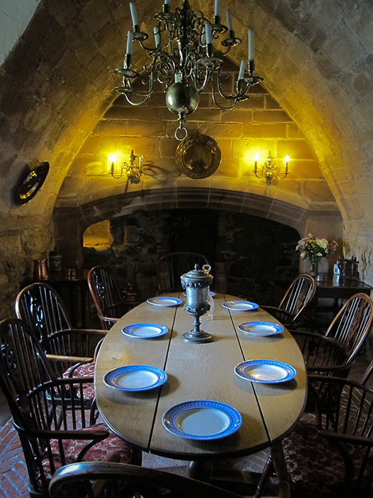 Lindasfarne-castle-dining-room