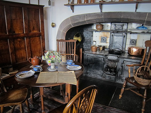 Lindasfarne-castle-kitchen