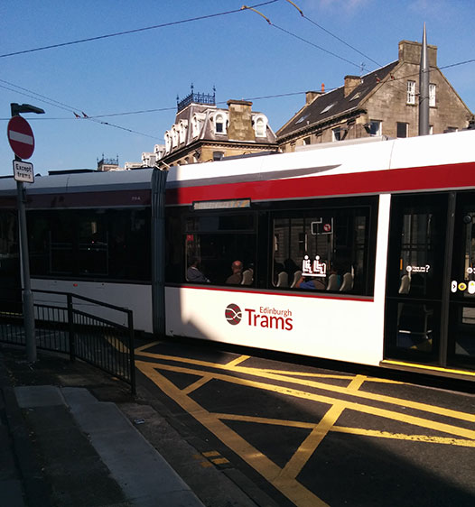 edinburgh-trams
