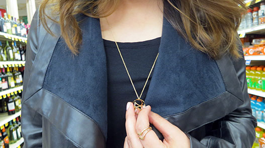 gold_accessories_necklace