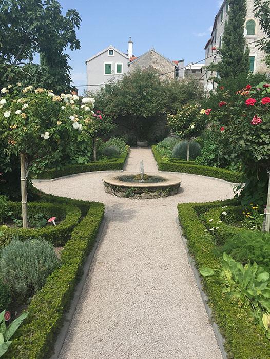 sibenik-garden