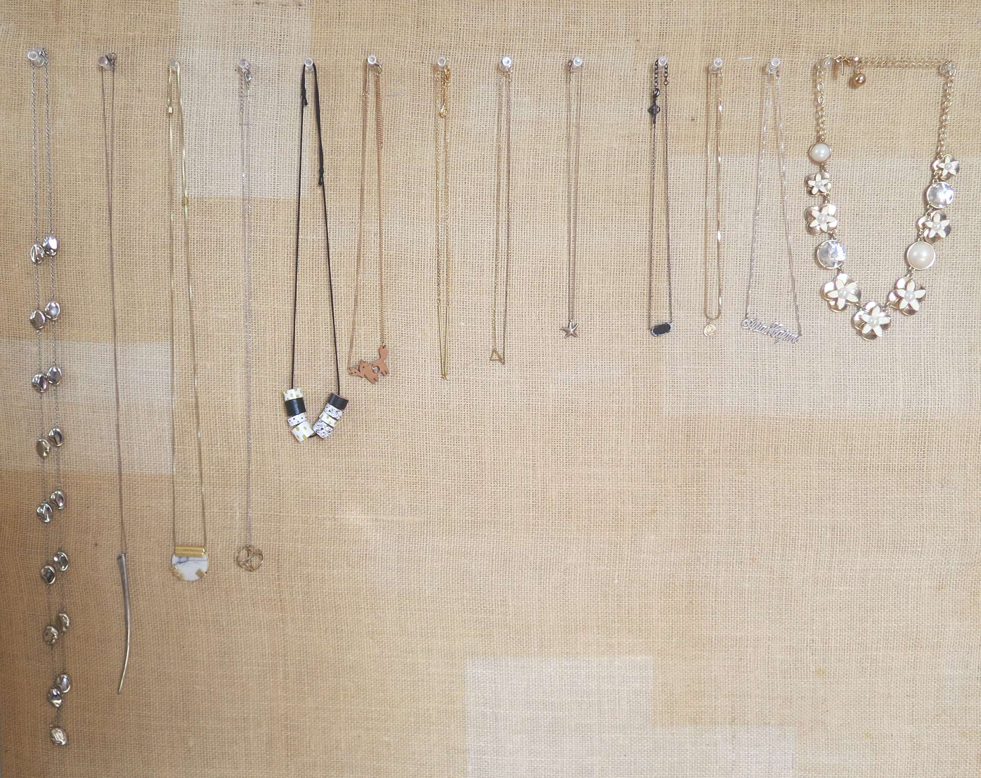 minimal_necklace_collection
