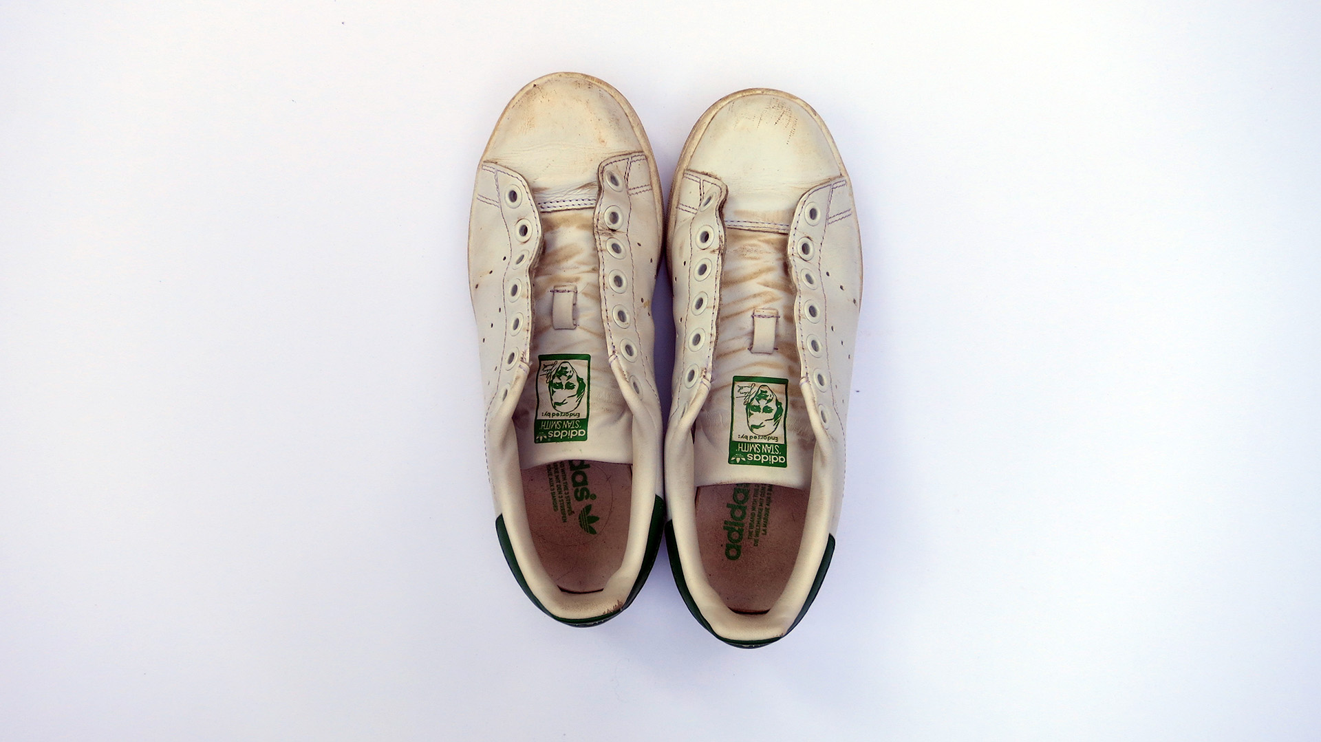 stan-smiths-before-cleaning